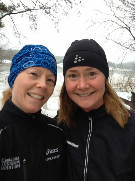 Jag och Kristina på en skön runda vid Velamssund. 13 kilometer blev det även idag!!