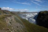 Gullfoss - nästa ställe att besöka. Ett enormt mäktigt och vackert vattenfall.