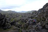 På väg genom ett gigantiskt lavafält.