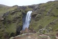 På vägen upp längs forsen Skoga som slutar i vattenfallet Skogfoss så hittade vi än fler nästan lika vackra vattenfall. Hela vägen upp längs Skoga kantades av ett otal mindre och större vattenfall.